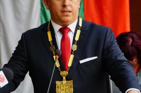 Кметът на община Пещера Йордан Младенов поздрави учители, ученици и дейци на културата с 24 май