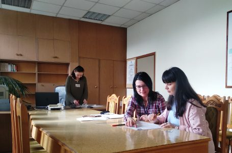 Приемаха заявления за подмяна на лични документи в офиса на НАП в Пазарджик