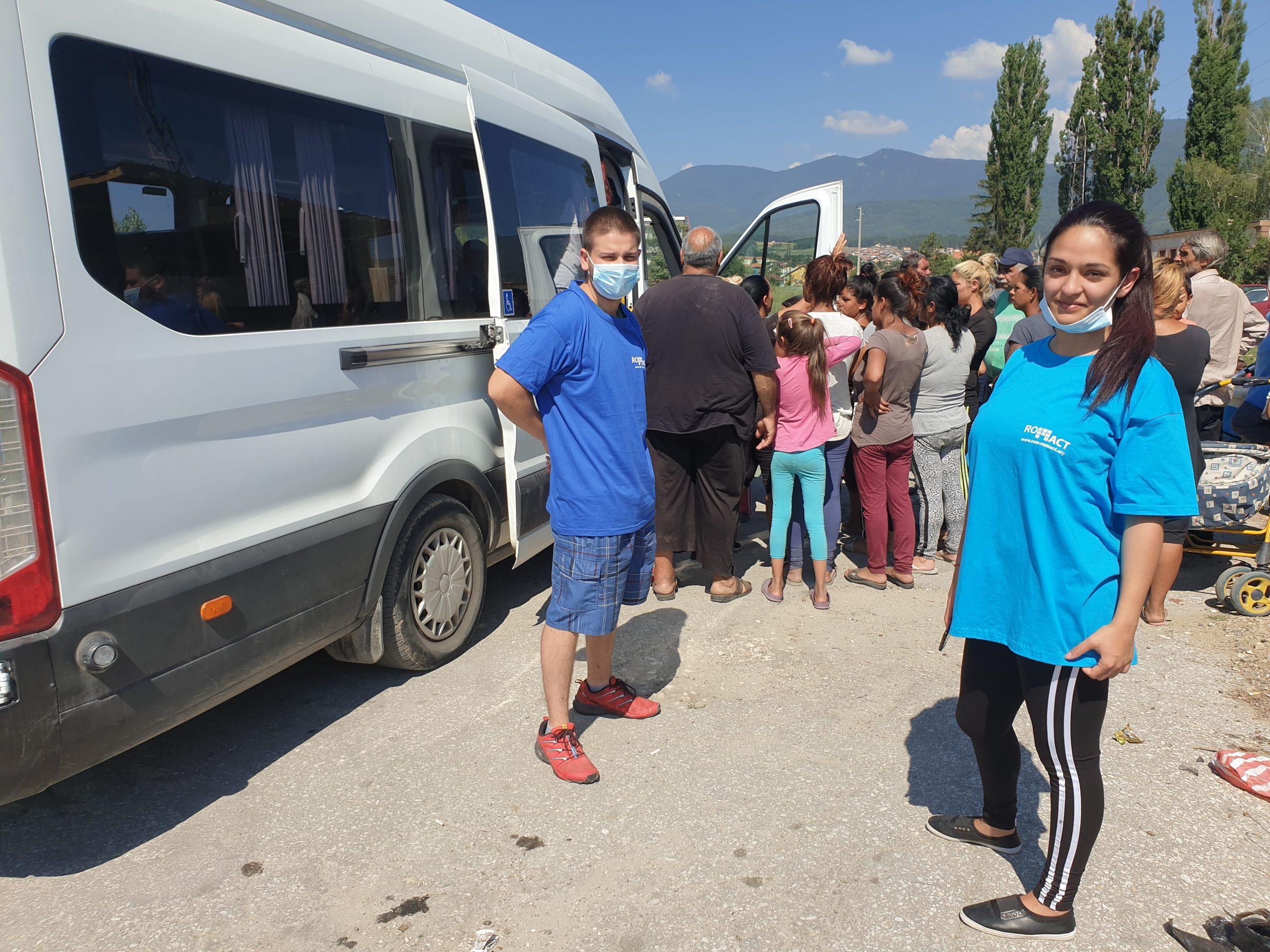 280 пакета с храни от първа необходимост бяха раздадени на семейства в нужда, живеещи в община Велинград.