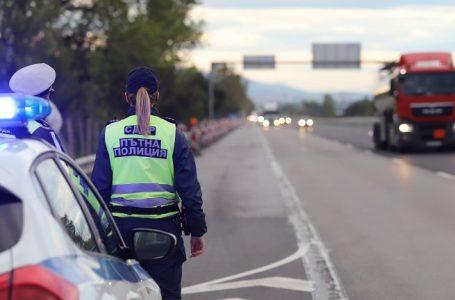 Катастрофа от два камиона затвори пътя Велинград-Варвара